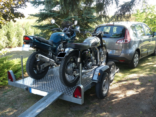 Remorque porte moto.